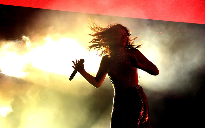 Lorde performs at Coachella 2017.