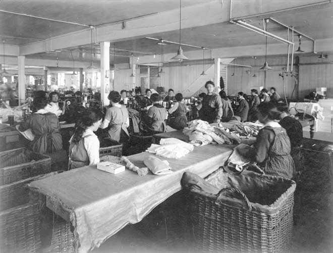 The New Zealand Clothing Factory began work in 1873 in Dunedin. It was owned by Bendix Hallenstein, who set up a chain of discount clothing stores and the Drapery Importing Company (DIC) to sell the clothing produced in his factory. After initial difficulties, Hallenstein's clothing factory...