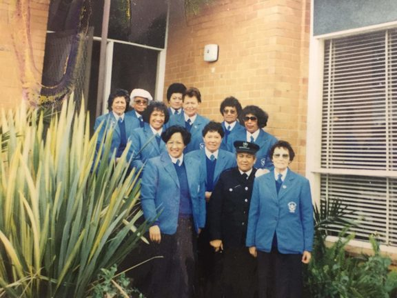 Pua (pictured front left) with the Koea in 1994, Melbourne.