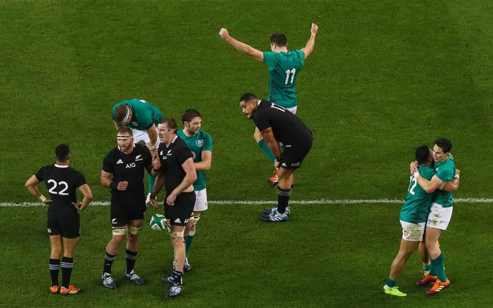 Ireland beat All Blacks 2018.