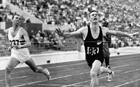Peter Snell winning gold in the men's 800m at the Rome Olympics in 1960.
