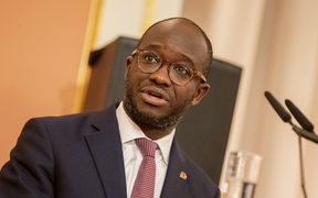 UK Science minister Sam Gyimah has resigned from parliament over the Brexit deal.