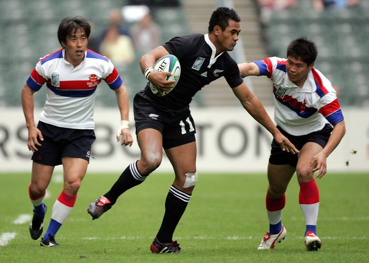 Isaia Toeava in action for New Zealand against Korea at the 2005 Rugby World Cup Sevens.