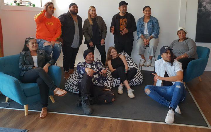 毛利艺术家和表演者聚在一起创作了一首歌,以进一步推广毛利表演艺术,为世界上最大的卡帕哈卡节做准备。 2018年12月5日