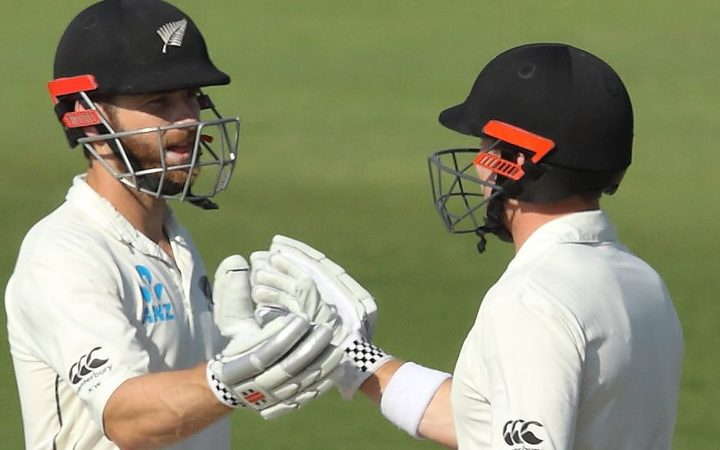 Kane Williamson and Henry Nicholls have scored a record fifth wicket partnership for New Zealand against Pakistan.