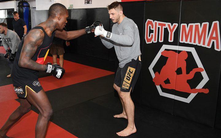 UFC: Don't underestimate the power of Hooker | RNZ News