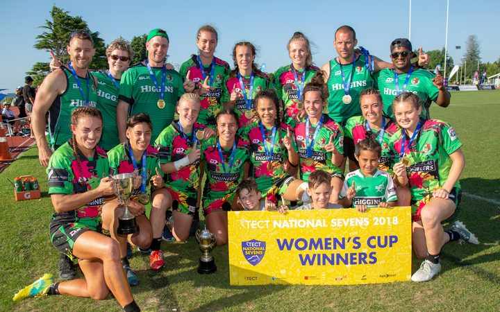 Manawatu women celebrate winning the  New Zealand Sevens title 2018.