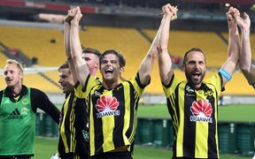 Wellington Phoenix players celebrate the win during the A-League 2018/19.