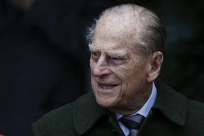 Britain's Prince Philip, Duke of Edinburgh leaves after attending Royal Family's traditional Christmas Day church service at St Mary Magdalene Church in Sandringham, Norfolk, eastern England, on December 25, 2017. (Photo by Adrian DENNIS / AFP)