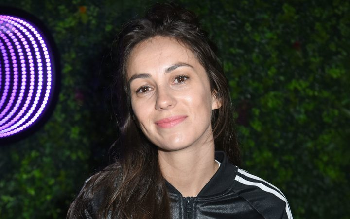 Amy Shark finds stowaways on tour bus while travelling to the UK