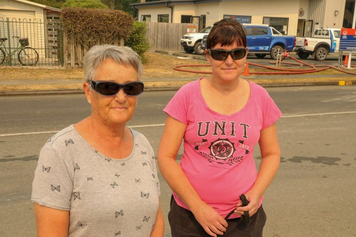 Yvonne Closey and her daughter Delia Perry are preparing in case the fire sweeps towards Wakefield.