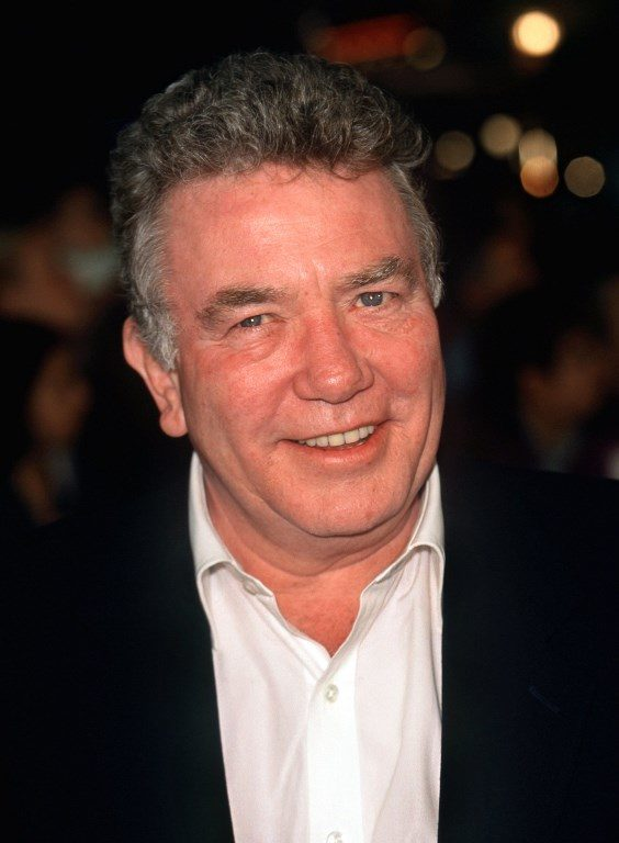 "British actor Albert Finney arrives on 14.3.2000 for the premiere of his film ""Erin Brockovich"" in Los Angeles."