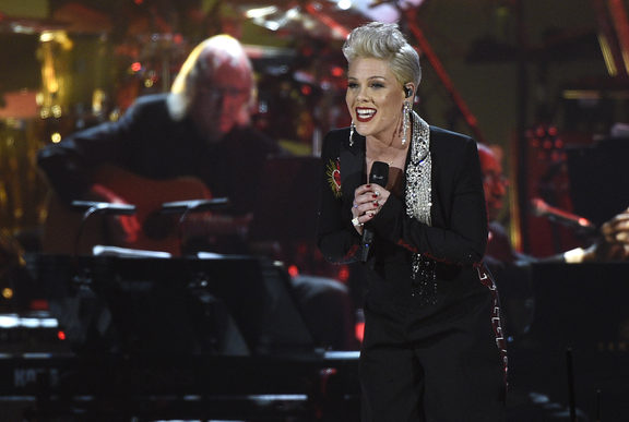 "Pink performs ""Jolene"" at MusiCares Person of the Year honoring Dolly Parton , at the Los Angeles Convention Center."