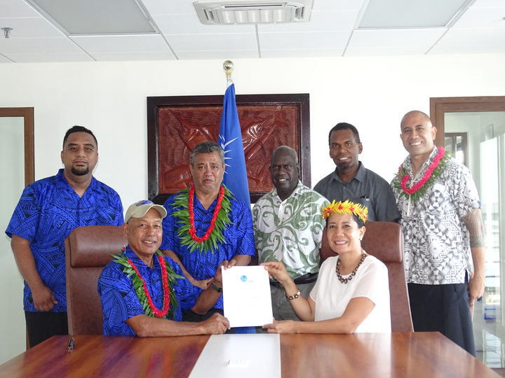 Marshall Islands fisheries Minister Dennis Momotaro and Forum Fisheries Agency Director General Dr. Manu Tupou-Roosen signed an agreement for aerial surveillance following the opening of the new MIMRA headquarters.