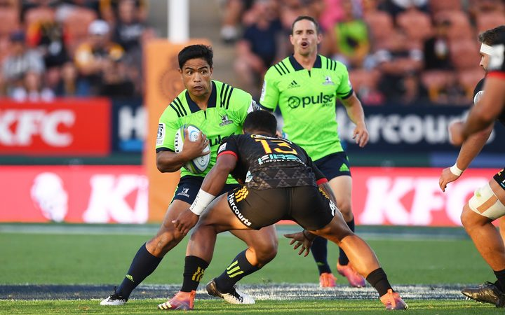 Josh Ioane playing for the Highlanders