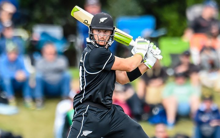Martin Guptill runs flow sweeps New Zealand past Bangladesh