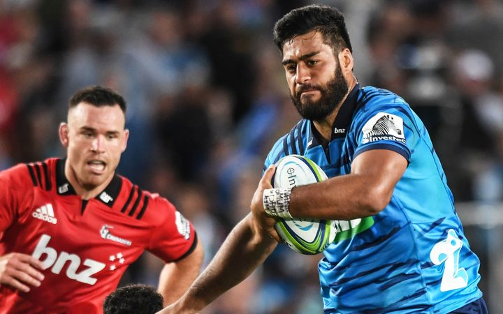 Crusaders beat Blues in Super Rugby opener | RNZ News