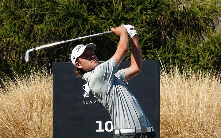 Zach Murray has a comfortable five shot lead heading into the third round of the NZ Open.
