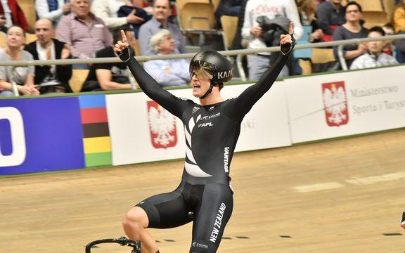 Campbell Stewart celebrates winning 2019 World Omnium title.