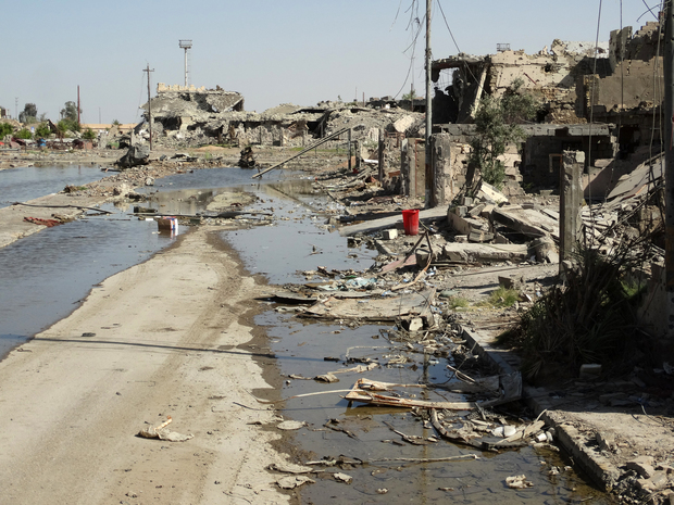 Fighting devastated parts of the city of city of Ramadi, west of the capital Baghdad.