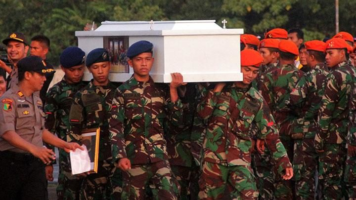Indonesian National Armed Forces carrying  a coffin of a fallen fellow soldier. Three Indonesian soldiers were reportedly killed by the West Papuan Liberation Army in Nduga regency on March 7th, 2019