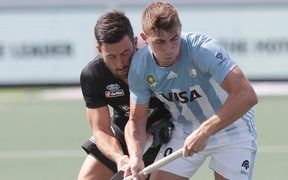 Kane Russell of New Zealand and Maico Casella (Argentina).