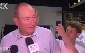 Australians call for Fraser Anning to be expelled from Parliament