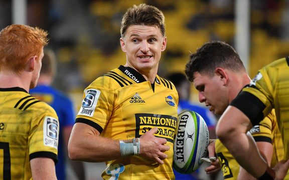 Hurricanes captain Beauden Barrett speaks to his team during the Hurricanes vs Stormers Super Rugby match at Westpac Stadium in Wellington on Saturday the 23rd of March 2019. Copyright Photo by Marty Melville / www.Photosport.nz