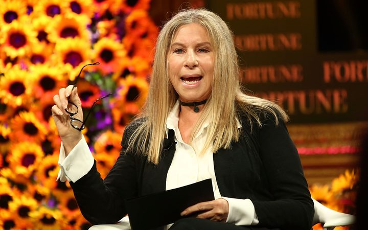 Michael Jackson: Barbra Streisand apologises for abuse remarks | RNZ