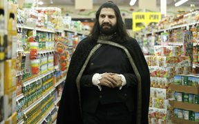 Kayvan Novak as Nandor in What We Do In The Shadows.