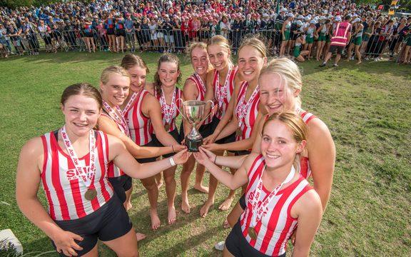 圣玛格丽特在2019年新西兰中学划船锦标赛,卡拉皮罗湖赢得了8场胜利