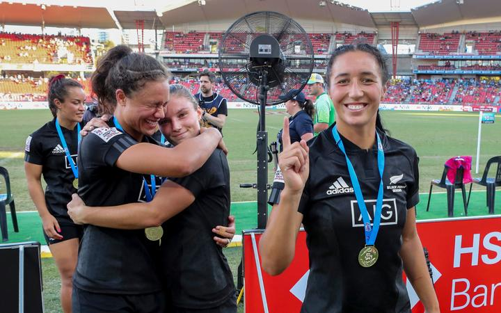 Sarah Hirini and her teammates celebrate winning the HSBC World Rugby Sevens in Sydney,. Womens Cup Final match between New Zealand and Australia, 2019, Spotless Stadium, Saturday 3rd February 2019. Copyright Photo: David Neilson / www.photosport.nz