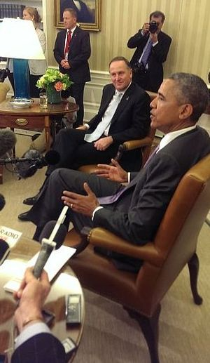 US President Barack Obama and PM John Key give media briefing in the Oval Office.