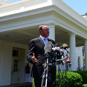 PM John Key addresses NZ and international media outside the West Wing of the White House.