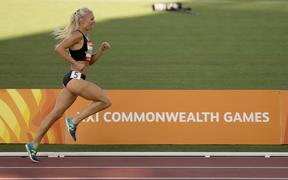 Camille Buscomb in the 5,000m at the 2018 Commonwealth Games.