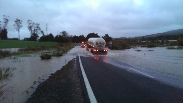 Flooding over SH1 North of Whangarei.