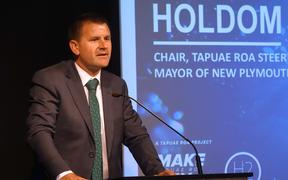 New Plymouth Mayor Neil Holdom Hydrogen Roadmap launch