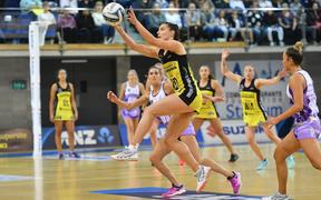 Pulse's Karin Burger takes a pass during the ANZ Premiership Grand Final netball match between the Pulse vs Stars in Wellington on 3 June 2019.