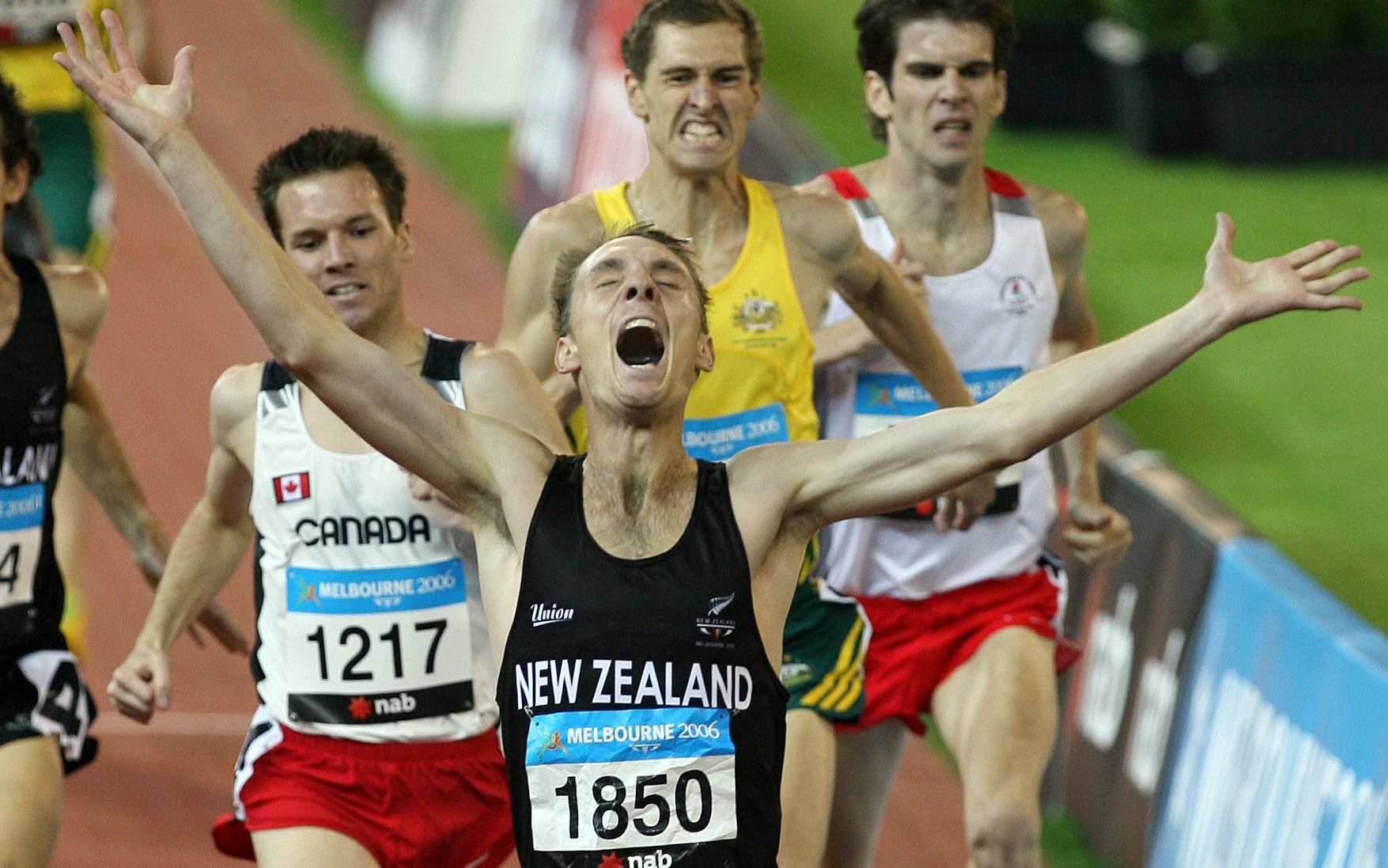 Nick Willis wins Commonwealth Games 1500m gold in Melbourne 2006.