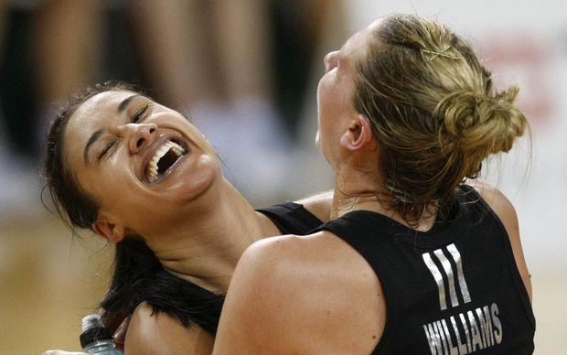 Silver Ferns win 2010 Commonwealth Games gold medal.