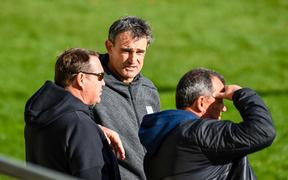 Scott Mcleod talks with fellow All Blacks coaches Steve Hansen  and Ian Foster.