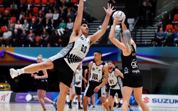 The New Zealand men's side has chalked up another win over the Silver Ferns.