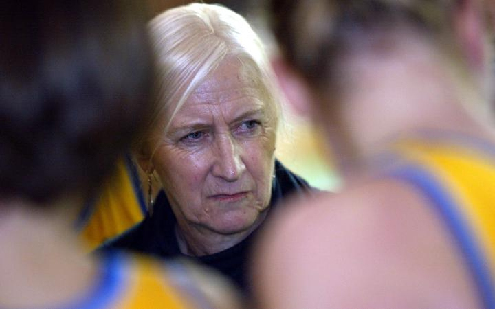 Dame Lois Muir coaching in 2002.
