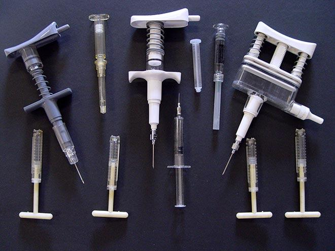 An array of syringes designed by Timaru inventor Colin Murdoch.