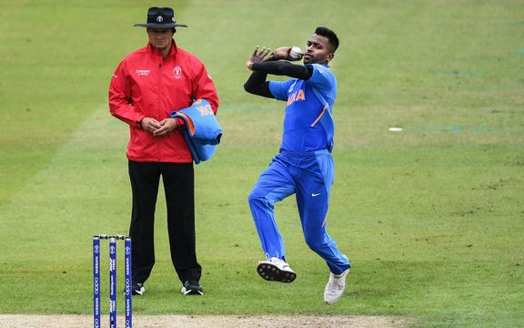 Hardik Pandya bowling.