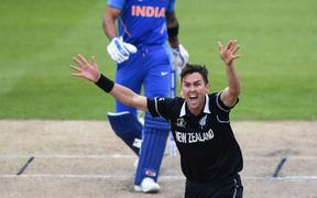 Trent Boult appeals successfully for the wicket of Kohli.