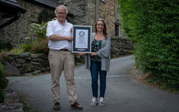 Gwyn Headley and Sarah Badham with the record for the World's Steepest Street