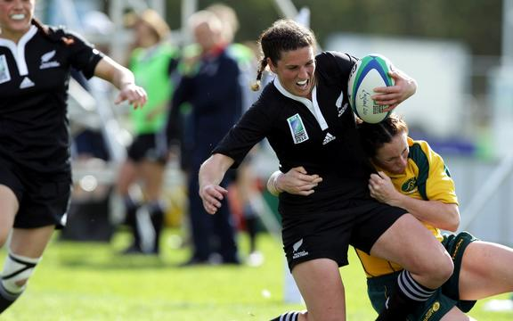 Rebecca Mahoney tackled by Tricia Brown