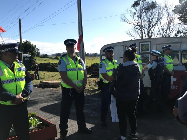 Police at Ihumātao to serve an eviction notice by a bailiff against people who have been occupying the site.