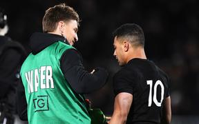 All Black Beauden Barrett congratulates Richie Mo'unga.